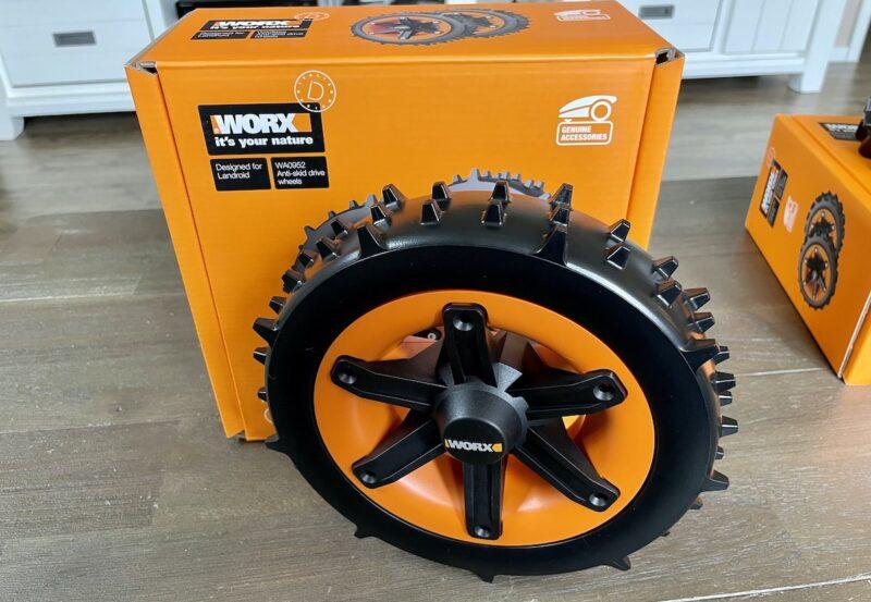 WORX Landroid Raeder WA0952 Super Grip 800x553 - Kurztest - Landroid alternative Räder - WA0950 WA0952 WA0953